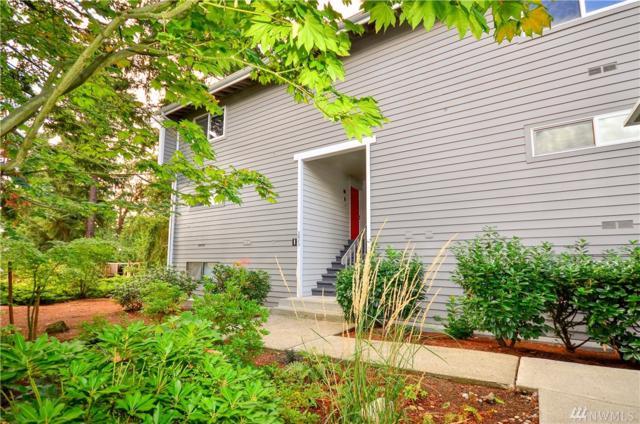 3033 127th Place SE I-21, Bellevue, WA 98005 (#1353910) :: Carroll & Lions