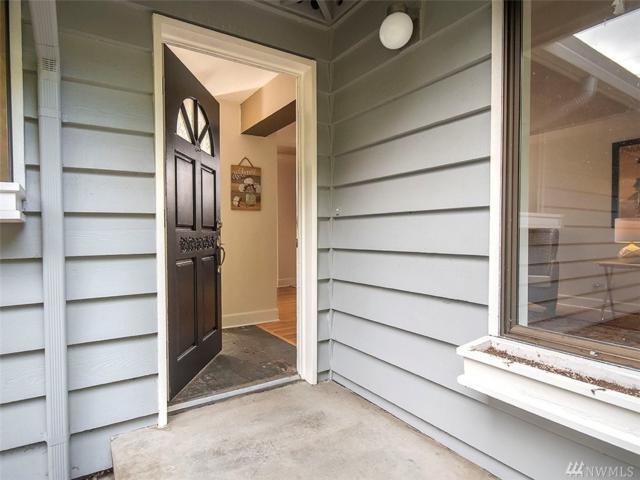 8818 200th St SW, Edmonds, WA 98020 (#1355719) :: Homes on the Sound