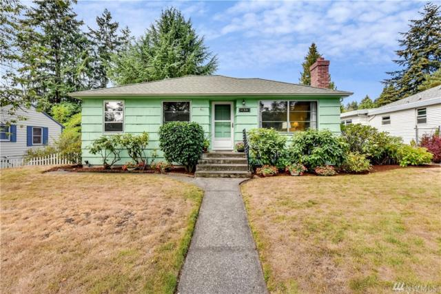 11321 35th Ave NE, Seattle, WA 98125 (#1356964) :: Homes on the Sound