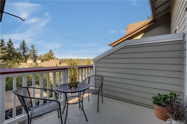 18505 SE Newport Wy D217, Issaquah, WA 98027 (#1357943) :: Homes on the Sound