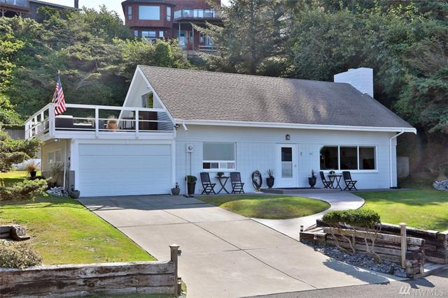 562 Pebble Beach Dr, Coupeville, WA 98239 (#1358022) :: Better Homes and Gardens Real Estate McKenzie Group