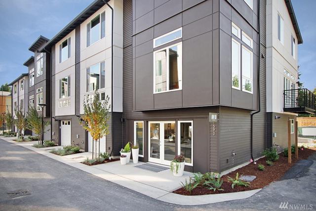 13927 NE 15th Ct, Bellevue, WA 98005 (#1358213) :: KW North Seattle