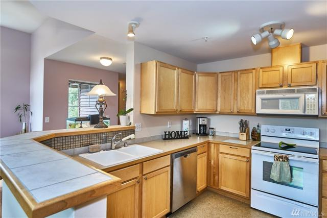 15325 SE 155th Place T5, Renton, WA 98058 (#1360968) :: Homes on the Sound