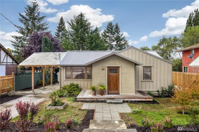 3537 SW 112th St, Seattle, WA 98146 (#1361819) :: Homes on the Sound