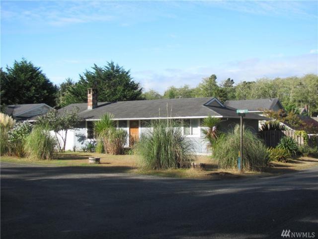 915 Adams St, Westport, WA 98595 (#1363856) :: Carroll & Lions