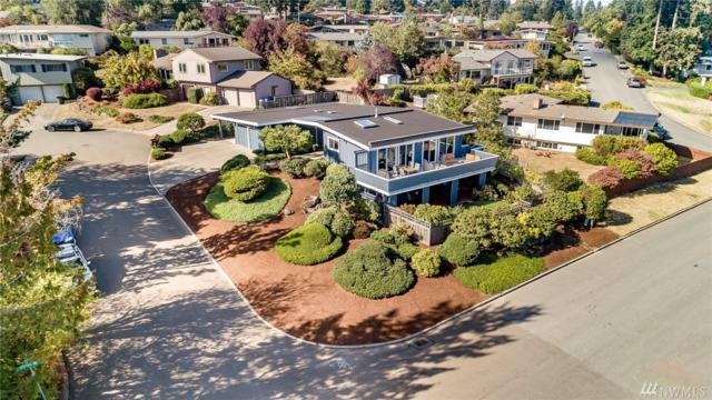 17209 NE 4th Place, Bellevue, WA 98008 (#1363984) :: Capstone Ventures Inc