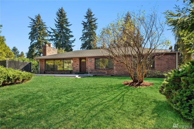2805 NE 117th St, Seattle, WA 98125 (#1364025) :: Real Estate Solutions Group