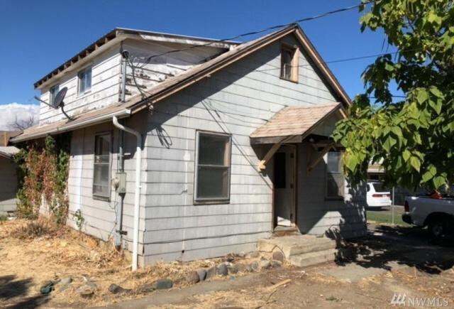 704 N 20th Ave, Yakima, WA 98902 (#1365475) :: Homes on the Sound
