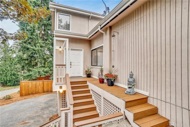 10601 Sand Point Wy NE, Seattle, WA 98125 (#1370315) :: Real Estate Solutions Group