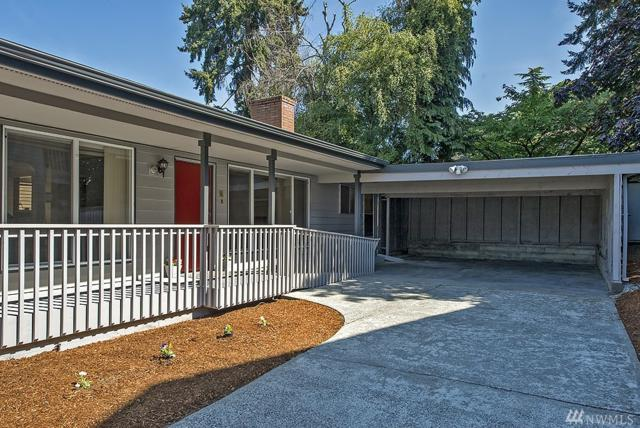 10020 Sand Point Wy NE, Seattle, WA 98125 (#1373211) :: Real Estate Solutions Group