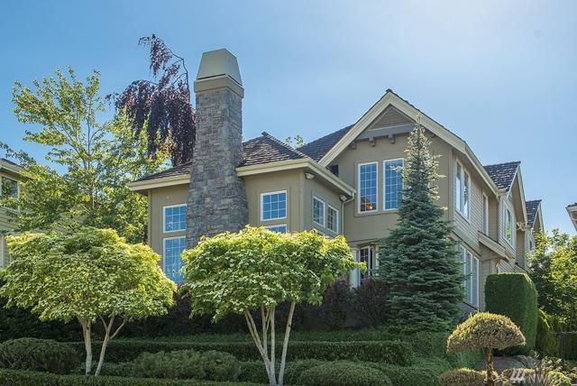 4527 160th Ave SE, Bellevue, WA 98006 (#1373394) :: Ben Kinney Real Estate Team