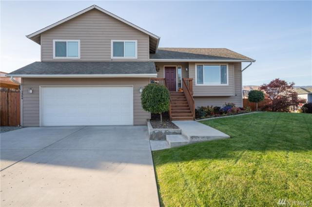 1960 SE Bluegrass, East Wenatchee, WA 98802 (#1375679) :: Ben Kinney Real Estate Team