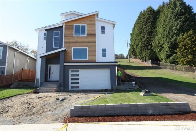 2102 S Ainsworth Ave, Tacoma, WA 98405 (#1375710) :: Ben Kinney Real Estate Team