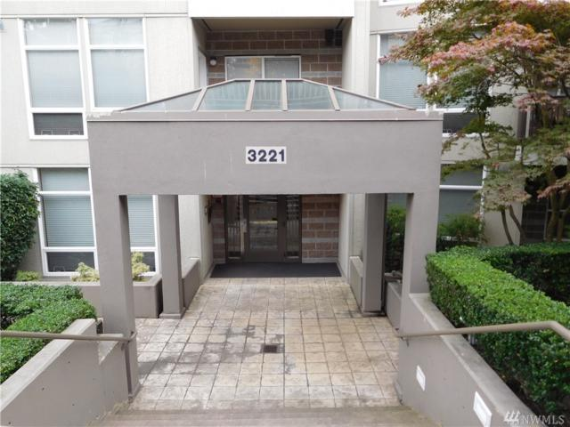 3221 SW Avalon Wy #401, Seattle, WA 98126 (#1376706) :: Chris Cross Real Estate Group