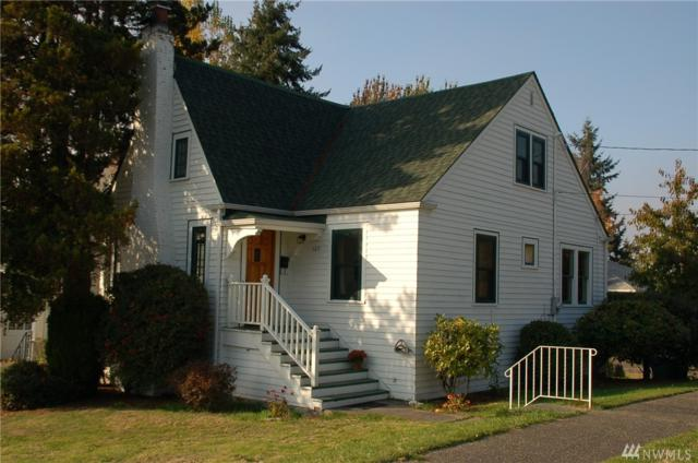 120 NE 85th Street, Seattle, WA 98115 (#1378621) :: Kwasi Bowie and Associates