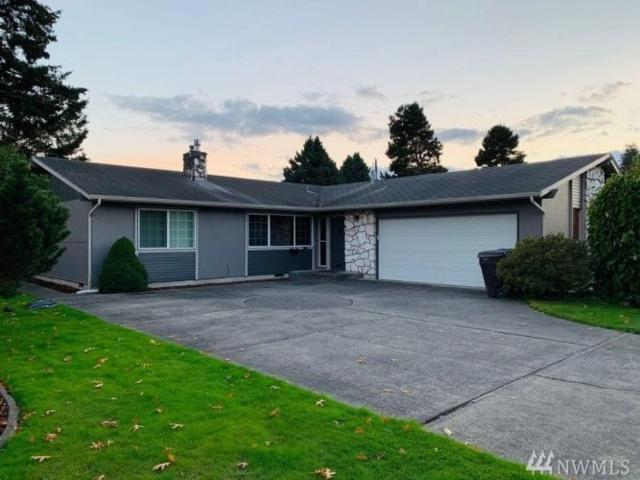 2557 Northlake Ave, Longview, WA 98632 (#1379464) :: Real Estate Solutions Group