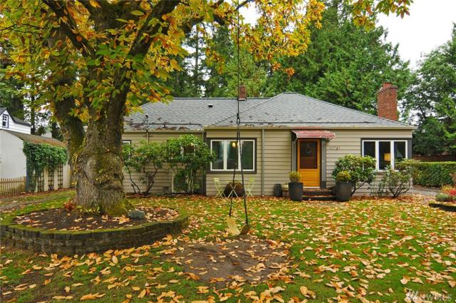 10731 20th Ave NE, Seattle, WA 98125 (#1380061) :: Real Estate Solutions Group