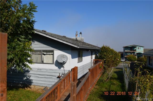 1636 W 5th St, Port Angeles, WA 98363 (#1380211) :: Keller Williams Everett