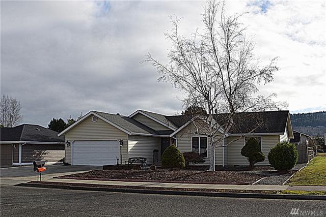 941 E Spruce St, Sequim, WA 98382 (#1380860) :: McAuley Real Estate