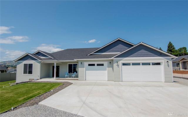 3234 NW Evergreen Ct, East Wenatchee, WA 98802 (#1383968) :: Keller Williams Western Realty