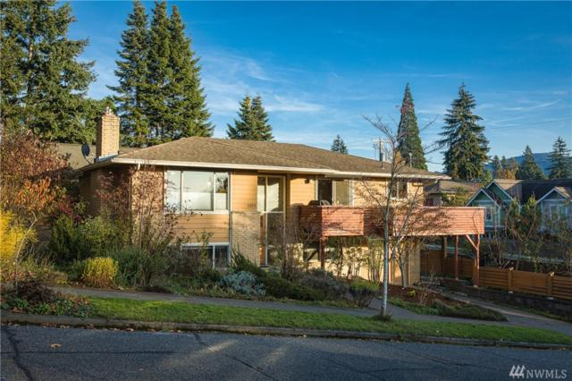1211 15th St, Bellingham, WA 98225 (#1385242) :: Icon Real Estate Group