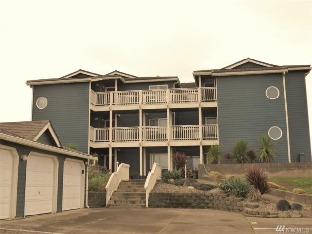 1443 Ocean Shores Blvd SW #201, Ocean Shores, WA 98569 (#1385500) :: Keller Williams Realty Greater Seattle