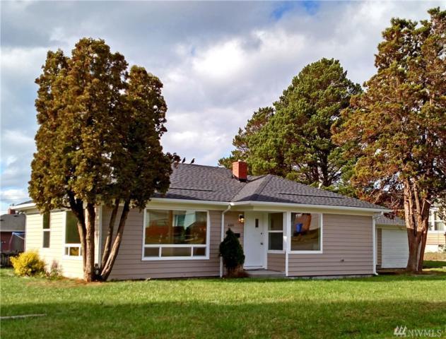 489 SE Oleary St, Oak Harbor, WA 98277 (#1385862) :: Keller Williams Western Realty