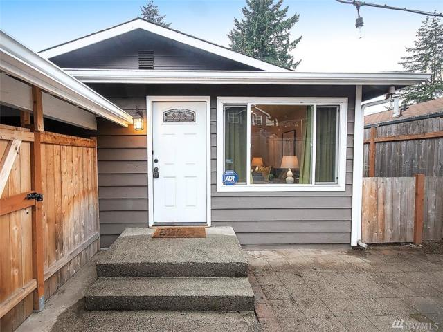 923 N 102nd St, Seattle, WA 98133 (#1386527) :: The Home Experience Group Powered by Keller Williams