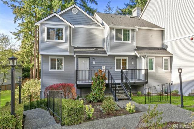 11704 Admiralty Wy D, Everett, WA 98204 (#1388645) :: Ben Kinney Real Estate Team