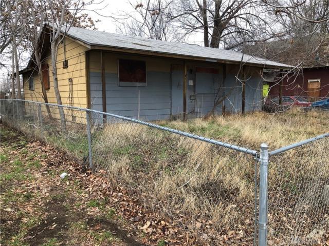811 E Toppenish Ave, Toppenish, WA 98948 (#1388728) :: Kimberly Gartland Group