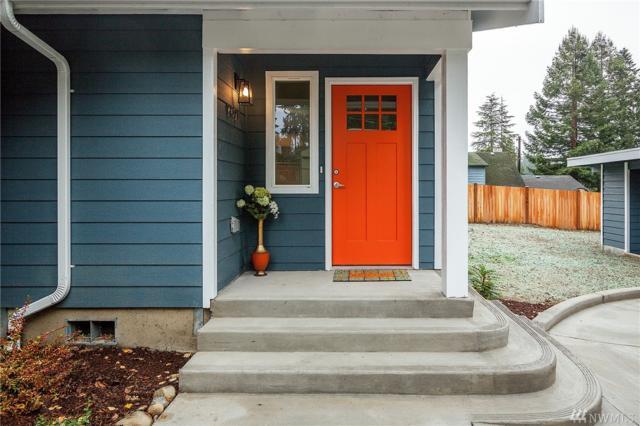 16927 Olympic View Drive, Lynnwood, WA 98037 (#1389387) :: Beach & Blvd Real Estate Group