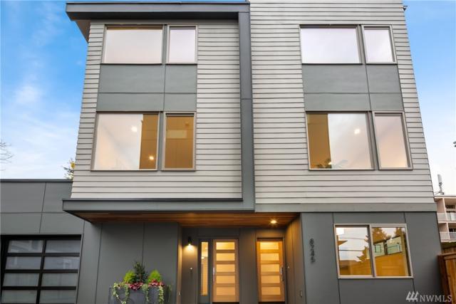 8247 20th Ave NE, Seattle, WA 98115 (#1392381) :: Costello Team