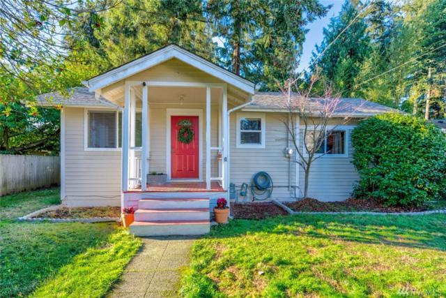 11513 30th Ave NE, Seattle, WA 98125 (#1392984) :: Chris Cross Real Estate Group