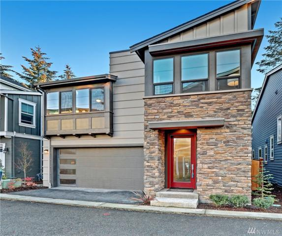 11823 NE 70th Lane, Kirkland, WA 98033 (#1393006) :: Carroll & Lions