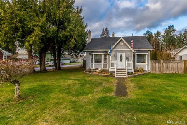 1919 4th Ave NW, Puyallup, WA 98371 (#1396013) :: Priority One Realty Inc.