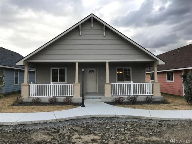 123 E 9th Ave #5, Moses Lake, WA 98837 (#1398434) :: The Royston Team