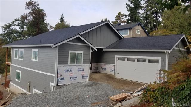 2412 SW 154th Place, Burien, WA 98166 (#1399446) :: Homes on the Sound