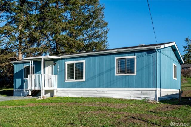 1002 Riepma Ave, Oak Harbor, WA 98277 (#1400502) :: Keller Williams Western Realty
