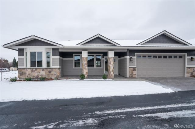 446 River Walk Dr, Wenatchee, WA 98801 (#1400610) :: The Royston Team