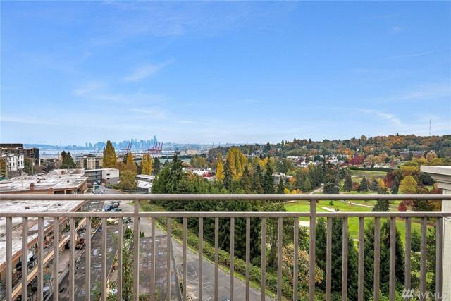 3221 SW Avalon Wy #204, Seattle, WA 98126 (#1400849) :: The Deol Group