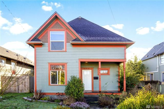 2312 C St, Bellingham, WA 98225 (#1401619) :: Homes on the Sound