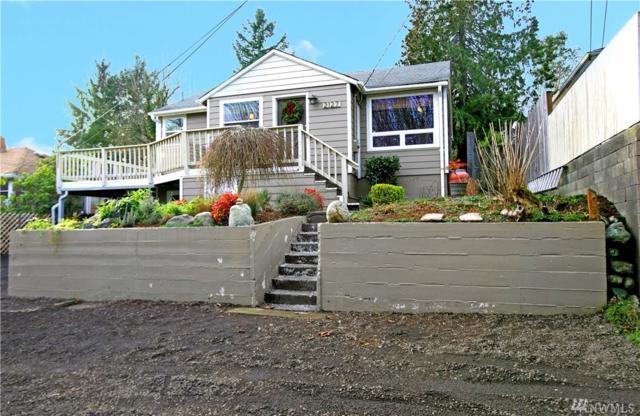 2127 Soundview Ave NE, Bremerton, WA 98310 (#1402320) :: Homes on the Sound