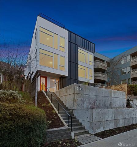 2133 N Dexter Ave, Seattle, WA 98109 (#1402549) :: Alchemy Real Estate