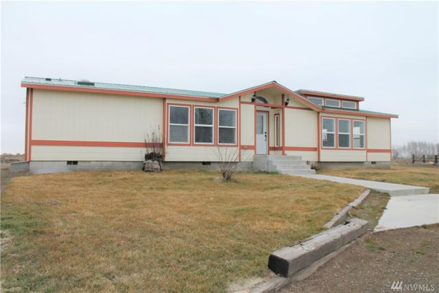1241 NE Hiawatha Est Rd, Moses Lake, WA 98837 (#1405491) :: Kimberly Gartland Group