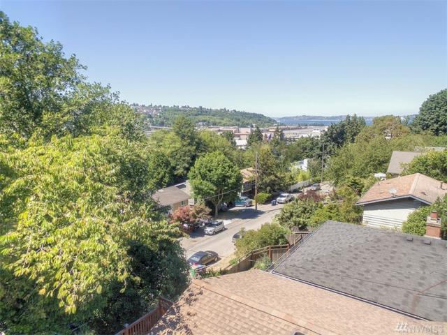 4132 23rd Ave SW, Seattle, WA 98106 (#1406111) :: Real Estate Solutions Group