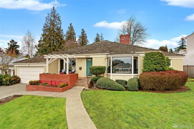 3236 W Viewmont Wy W, Seattle, WA 98199 (#1406546) :: Hauer Home Team