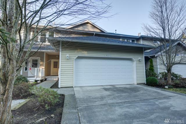 3221 Park Lane B, Mount Vernon, WA 98273 (#1407014) :: Homes on the Sound