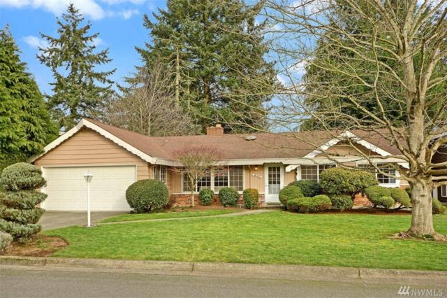 426 110th Ave SE, Bellevue, WA 98004 (#1407122) :: Homes on the Sound