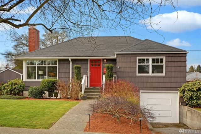 8251 41st Ave NE, Seattle, WA 98115 (#1407617) :: Ben Kinney Real Estate Team