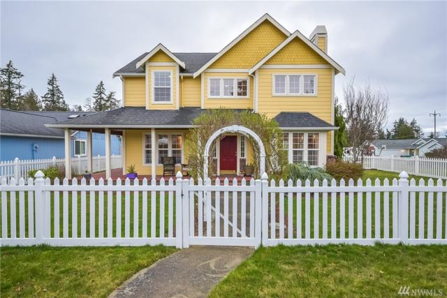 2216 29th St, Anacortes, WA 98221 (#1408086) :: Better Homes and Gardens Real Estate McKenzie Group